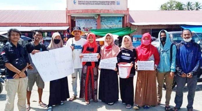 PPMIBU usai melakukan penggalangan dana untuk korban banjir Bolsel dan Bolmong di Pasar Boroko, Kecamatan Kaidipang, Kabupaten Bolmut, Selasa (28/07/2020)