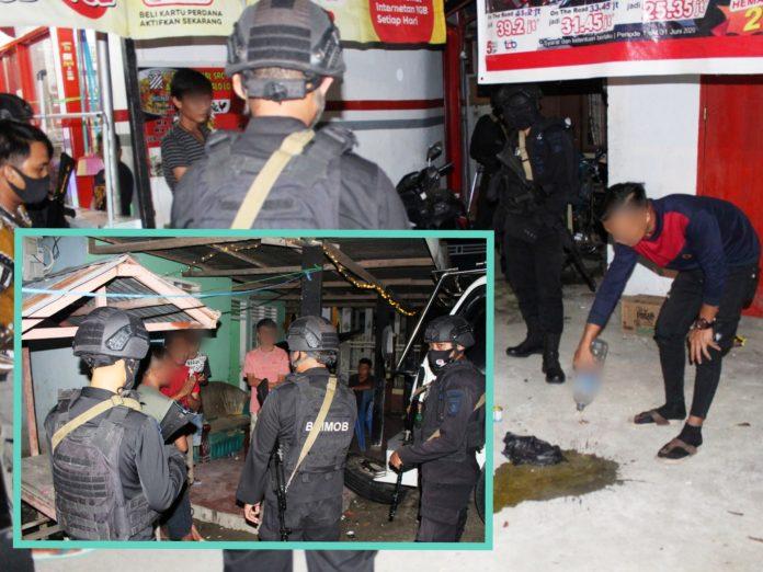 Patroli Ilato Brimob Bubarkan Warga Yang Sedang Mabuk