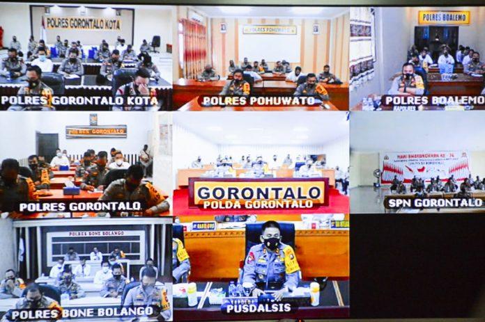 Video Conference (Vicon) yang dipimpin oleh Kapolda Gorontalo dan diikuti oleh Wakapolda, Irwasda, Para PJU Polda Gorontalo ,Para Kapolres serta para PJU Polres. Senin (25/1/2021).