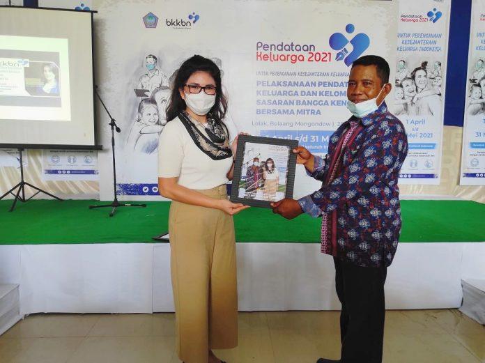 Ketua Komisi IX DPR RI, Felly Estelita Runtuwene (Kiri) dan Rahman Agel (Kanan), 28/04/2021. (Foto : Maniapost.com)