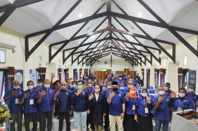 Foto bersama peserta Rakerda Partai NasDem Bolaang Mongondow Utara, Senin 21 Juni 2021